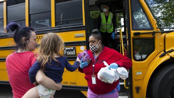 Isso decorre devido à interrupção dos programas de distribuição de refeições nas escolas, fechadas por causa da pandemia, explicou, pedindo às autoridades para que ajudem essas populações desfavorecidas