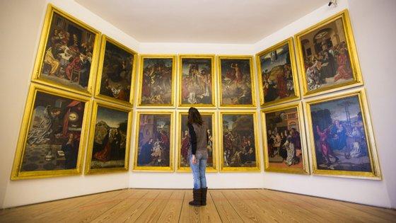 Painéis do início do século XVI que compõem o retábulo da capela-mor da Sé de Viseu, no Museu Grão Vasco