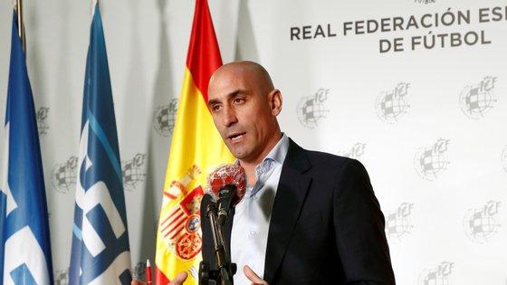 O presidente da RFEF, Luis Rubiales, anunciou esta quinta-feira a medida aos membros da Junta Diretiva