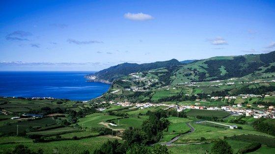 Em 14 de março, o Governo Regional dos Açores determinou a realização de uma quarentena obrigatória de 14 dias a todos os passageiros que desembarcassem na região