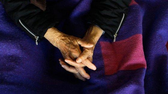 O total de mortes deste período este ano atingiu 19.545 e 14.264 das pessoas tinham mais de 75 anos