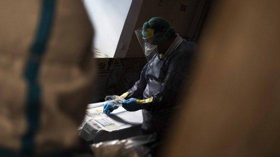 Os utentes infetados encontram-se isolados e estão todos sem sintomatologia