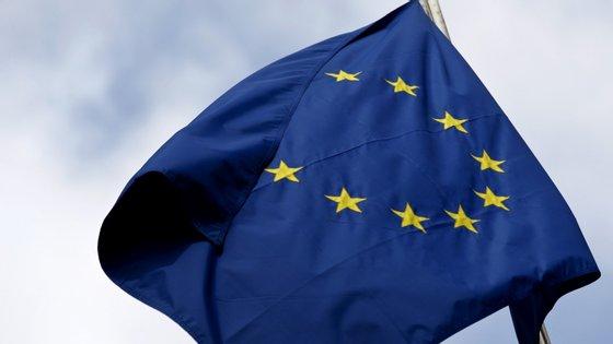 """Em 17 de março passado, os chefes de Estado e de Governo da União Europeia acordaram a interdição de entradas """"não essenciais"""" em território europeu por 30 dias"""