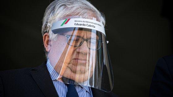 """O ministro da Administração Interna, Eduardo Cabrita, elogiou o comportamento da """"generalidade da população"""""""