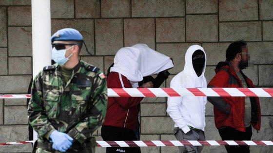 Em 20 de abril, foram colocados em quarentena na Base Aérea da Ota 171 cidadãos estrangeiros requerentes de asilo