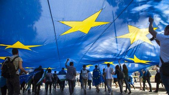"""Grupo """"Nossa Europa"""" foi criado em fevereiro por Carlos Coelho"""
