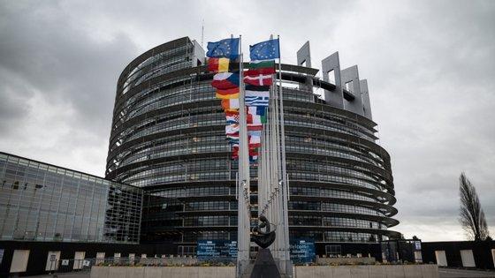 Desde final de abril que as cozinhas do Parlamento Europeu têm sido utilizadas para preparar cerca de 500 refeições por dia para as pessoas mais necessitadas