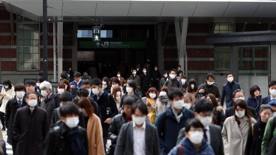 """Embora o BoJ espere que as medidas de estímulo adotadas no Japão e em escala global """"comecem a dissipar o impacto da Covid-19"""", também alerta para perspetivas de """"extrema incerteza"""""""