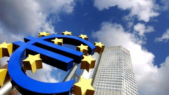"""Christine Lagarde disse na semana passada que a entidade monetária """"fará tudo o necessário para apoiar a recuperação económica"""" da zona euro"""