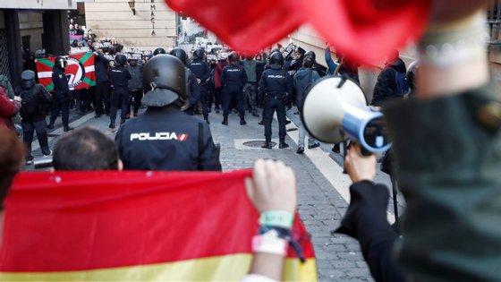 """Para o Vox, a crise provocada pela pandemia de Covid-19 tem sido aproveitada pelo governo para promover uma """"agenda social-comunista"""""""