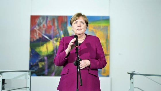 """""""Entramos numa nova fase da pandemia e que vai ser necessário que tenhamos a certeza de que toda a gente segue as regras básicas"""", disse Merkel"""