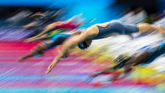 O exercício de desfasamento de horários de utilização da instalação levou à criação de sete períodos, com um máximo de 16 nadadores em cada, permitindo o treino a 112 atletas por dia