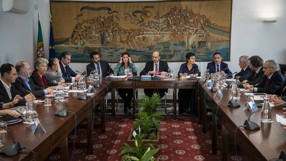 O apelo foi reiterado pelas quatro confederações, CCP, CIP, CAP e CTP, na cerimónia de assinatura da declaração de compromisso dos parceiros sociais para a retoma económica e do protocolo de cooperação