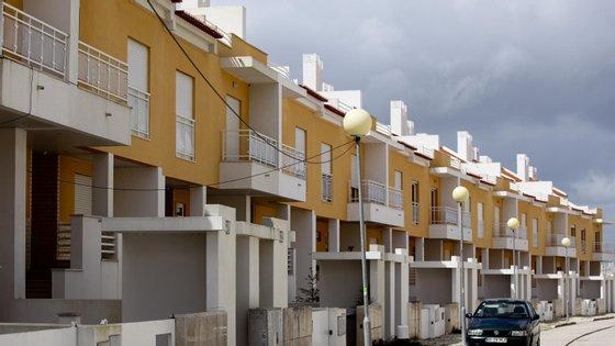 No crédito ao consumo foram concedidos em março 421 milhões de euros, menos 48 milhões de euros do que em fevereiro