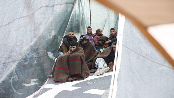 O número total de travessias ilegais das fronteiras externas da UE nos primeiros quatro meses de 2020 foi de 26.650