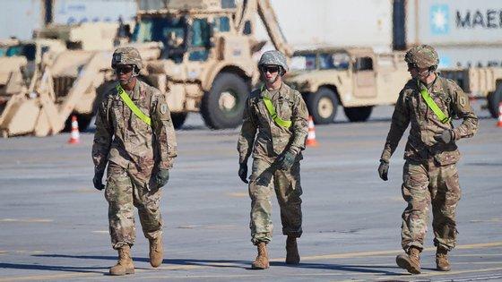 A pandemia de Covid-19 forçou o Pentágono a suspender todas as movimentações militares à escala global
