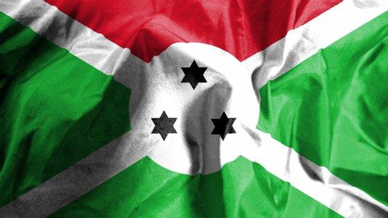 """O governo do Burundi, que considera que o país está protegido da Covid-19 pela """"Graça Divina"""", decidiu fechar as fronteiras, mas não tomou medidas de contenção"""