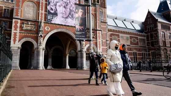Na fotografia divulgada, a imagem da pintura permite ser aumentada a tal ponto que surgem as pinceladas e pigmentos de uma das mais famosas pinturas de Rembrandt