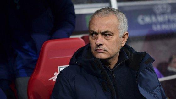 """José Mourinho, em comunicado, considerou que a sua posição não foi """"fielmente refletida na imprensa"""""""