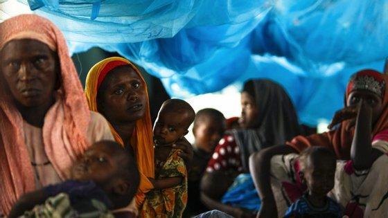 Em África, há 2.475 mortos confirmados com Covid-19, com quase 72 mil infetados em 53 países