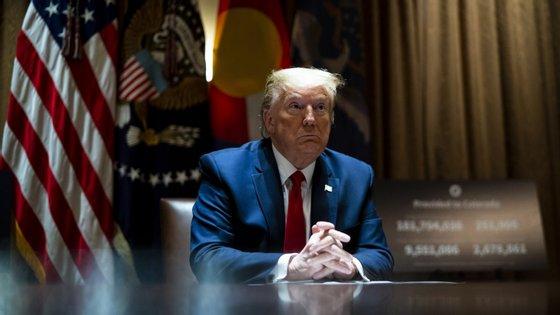 """""""Eu tenho um relacionamento muito bom (com Xi Jinping), mas neste momento não quero falar com ele"""", disse Trump"""