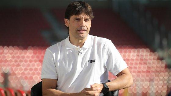 O ex-avançado, agora com 44 anos, passou pelo Mónaco, pelo Real Madrid e pelo Liverpool