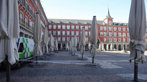 De acordo com um estudo de prevalência revelado na terça-feira, que foi feito com uma amostra de quase 70.000 pessoas, apenas 5% dos espanhóis foram infetados até agora com o novo coronavírus