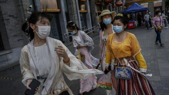 Um novo coronavírus foi detetado no final de dezembro, em Wuhan, uma cidade do centro da China