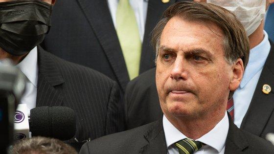 Esta sexta-feira Jair Bolsonaro completou 500 dias na presidência do Brasil e recebeu novo problema para resolver: menos de um mês depois de tomar posse, Nelson Teich demitiu-se do cargo de ministro da Saúde