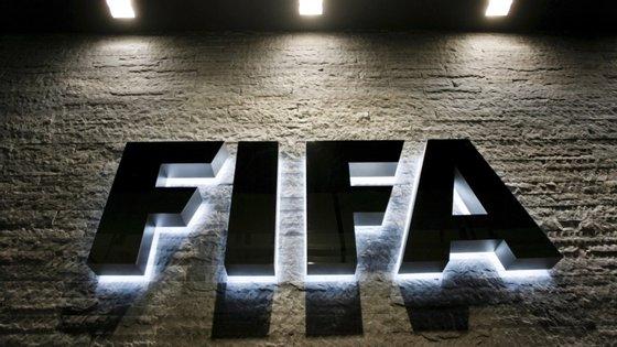 O organismo que rege o futebol mundial já contribuiu com 9,2 milhões de euros para a Organização Mundial de Saúde