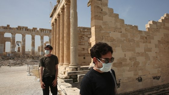 """""""Os turistas serão capazes de se mover livremente dentro da UE com medidas sanitárias e de segurança praticamente idênticas"""", disse esta segunda-feira o comissário europeu do Mercado Interno"""