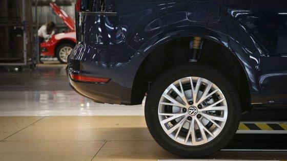 As matrículas de carros novos já tinham caído 55,1% em março