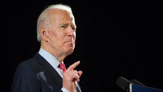 Joe Biden é o único candidato à nomeação presidencial do Partido Democrata que se mantém na corrida