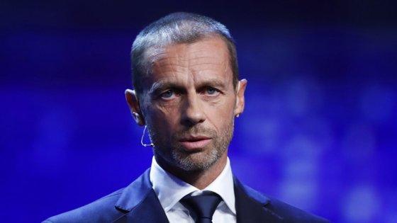 """Aleksander Ceferin defende que """"ganância"""" não é a palavra certa para comentar alguns problemas nas reduções salariais dos jogadores"""