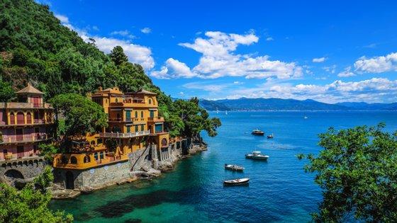 Itália é um dos destinos turístico de eleição na Europa, mas também o segundo país europeu com mais mortes por Covid-19