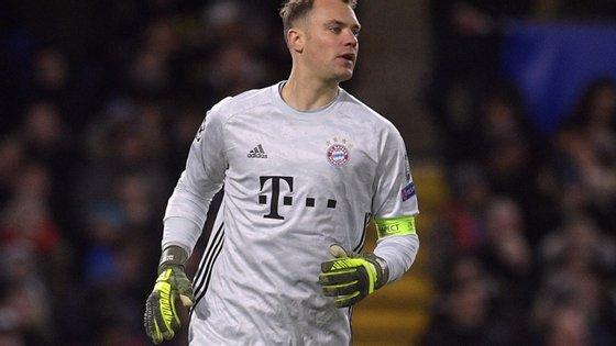 Durante o período em que o campeonato alemão esteve parado devido à Covid-19, várias figuras do Bayern criticaram Neuer pela sua demora em renovar