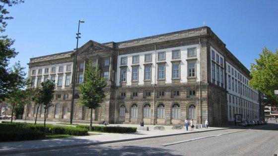 Nesta primeira fase, os testes serão realizados na Reitoria da Universidade do Porto, em plena Praça de Gomes Teixeira