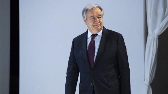 """""""Exorto os intervenientes políticos africanos a empenharem-se num diálogo político inclusivo e sustentado para aliviar as tensões em torno das eleições e a defenderem práticas democráticas"""", disse Guterres"""