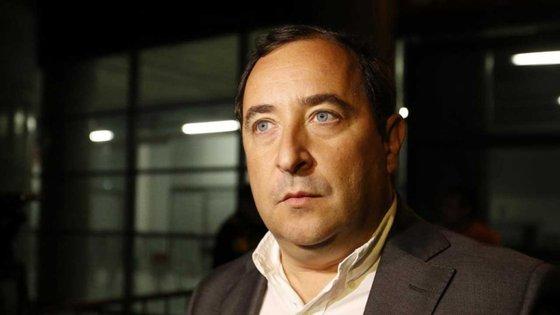 Além das críticas à administração de Luís Filipe Vieira, o empresário também atirou contra Rui Gomes da Silva