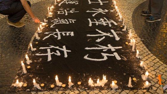 Tanto Hong Kong como em Macau são os únicos locais na China onde estas manifestações têm sido autorizadas sobre um acontecimento que continua a não ser reconhecido por Pequim