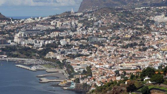 Amadeirense chegou ao Aeroporto Internacional da Madeira Cristiano Ronaldo num voo da TAP, pelas 9h30, sendo este o primeiro caso judicial do género que surge na região