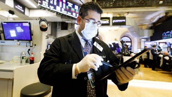 Os investidores estão atentos aos desenvolvimentos da situação nos Estados Unidos, com distúrbios e protestos nos últimos dias em várias cidades do país