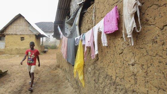 A 11.ª epidemia de Ébola na RDCongo foi declarada em 1 de junho em Mbandaka, que já tinha sido afetada por uma epidemia anterior de Ébola entre maio e julho de 2018, com 33 mortes