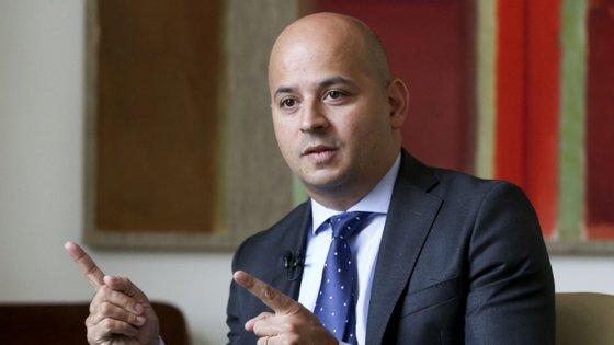 Secretário de Estado do Orçamento entrou num Governo pela primeira vez pela mão de Fernando Medina, em 2009.