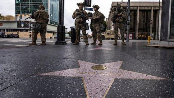 O governador da Califórnia, Gavin Newsom, anunciou que as produções de filmes e televisão serão autorizadas novamente a partir de 12 de junho
