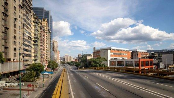 A Venezuela tem 2.632 casos confirmados e 23 mortes associadas à Covid-19