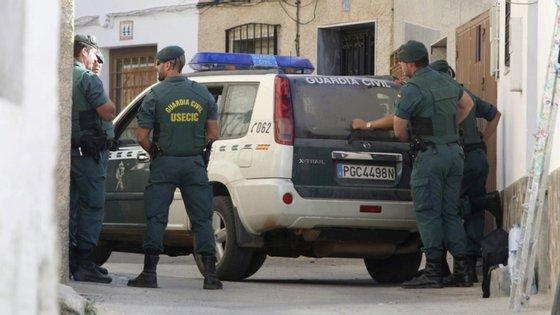 """A operação teve início em 2018, quando agentes da Guarda Civil detetaram que um """"grande número de imigrantes"""" sem documentos estava a ser transferido para França sob coação"""