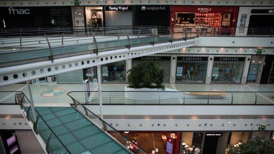 Lojas que tiveram de fechar terão sido prejudicas em 250 milhões de euros só em rendas