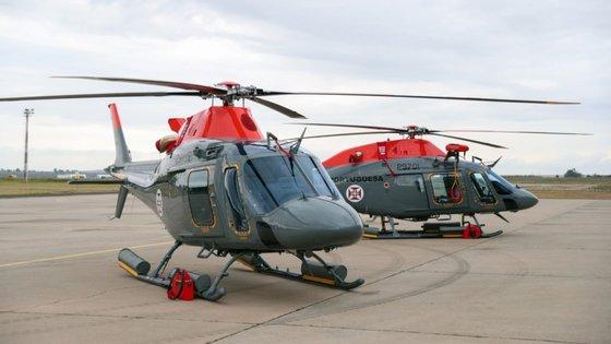O ministro da Defesa Nacional deslocou-se esta terça-feira à BA11 onde efetuou um voo a bordo do helicóptero Alouette III (ALIII)