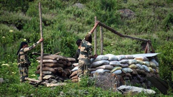 Fronteira montanhosa entre China e Índia viu reacender tensão entre os dois países nos últimos meses, depois de ocupação chinesa de vários postos.